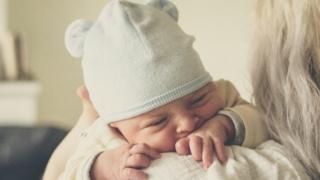 母乳とミルクで悩むママへ。経験からのメリット、デメリットを書きました。