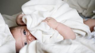 赤ちゃんが泣き止まない!理由は結局眠いだけ?